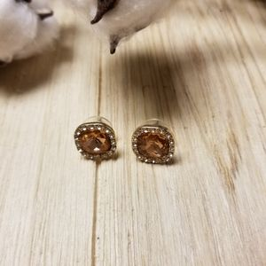Gorgeous square stud earrings, really pretty c